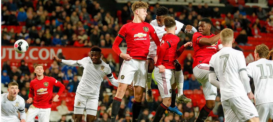 Soi kèo Manchester United vs Leeds United, 23h00 ngày 20/12 – Ngoại hạng Anh