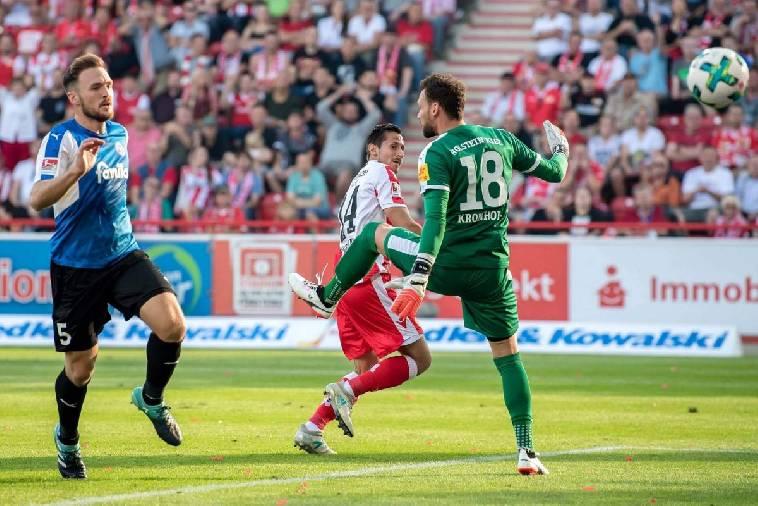 Soi kèo Holstein Kiel vs Hannover, 23h ngày 10/5 – Hạng 2 Đức