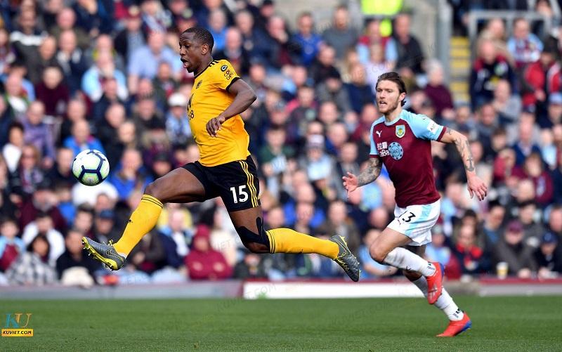 Soi kèo Burnley vs Wolveshampton, 3h00 22/12 – Ngoại hạng Anh